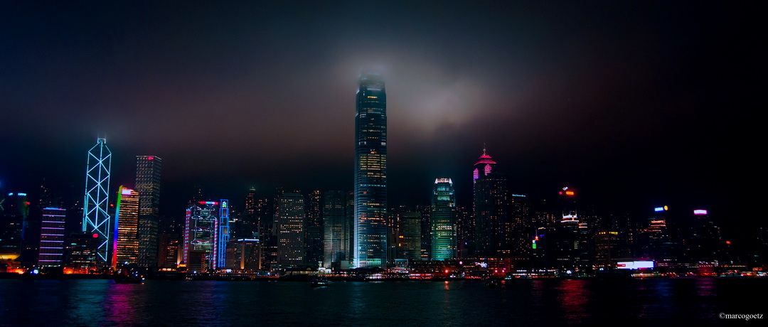 SKY LINE HONG KONG BY NIGHT